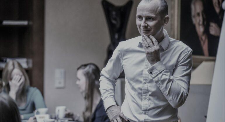 Pavel Novak - Negotiation Expert. Consultant. Mediator.